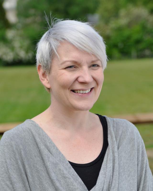 Dr Kathryn Newns